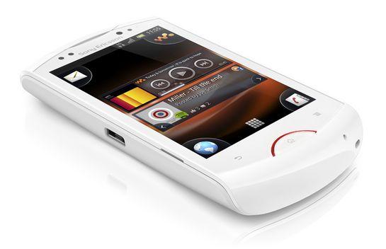 Sony Ericsson Live - 5